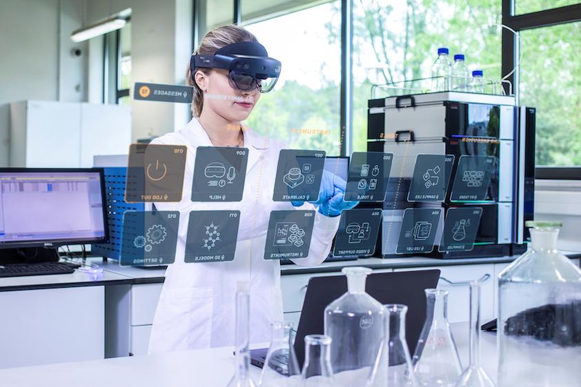 Mieszana Rzeczywistość odciąży laboratoria - Holo4Labs
