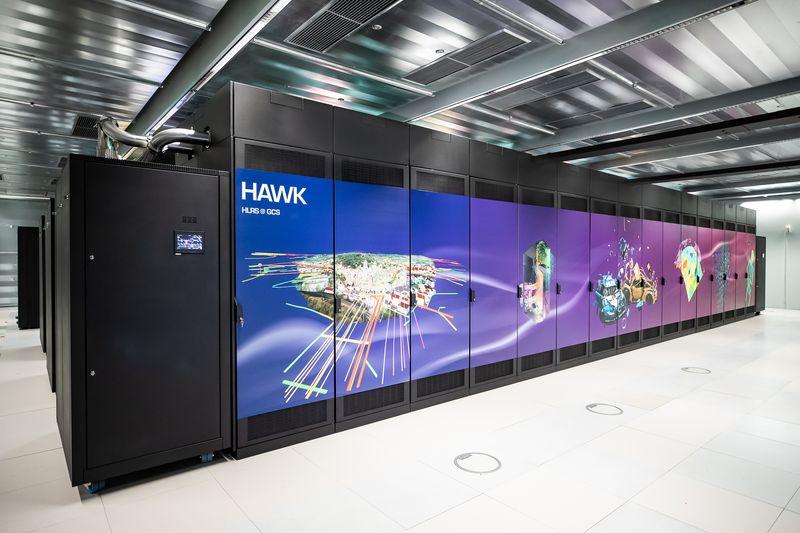 Superkomputer Hawk